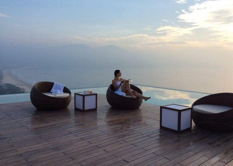 """Top 5 khách sạn Đà Nẵng có bể bơi """"đốn tim"""" du khách"""